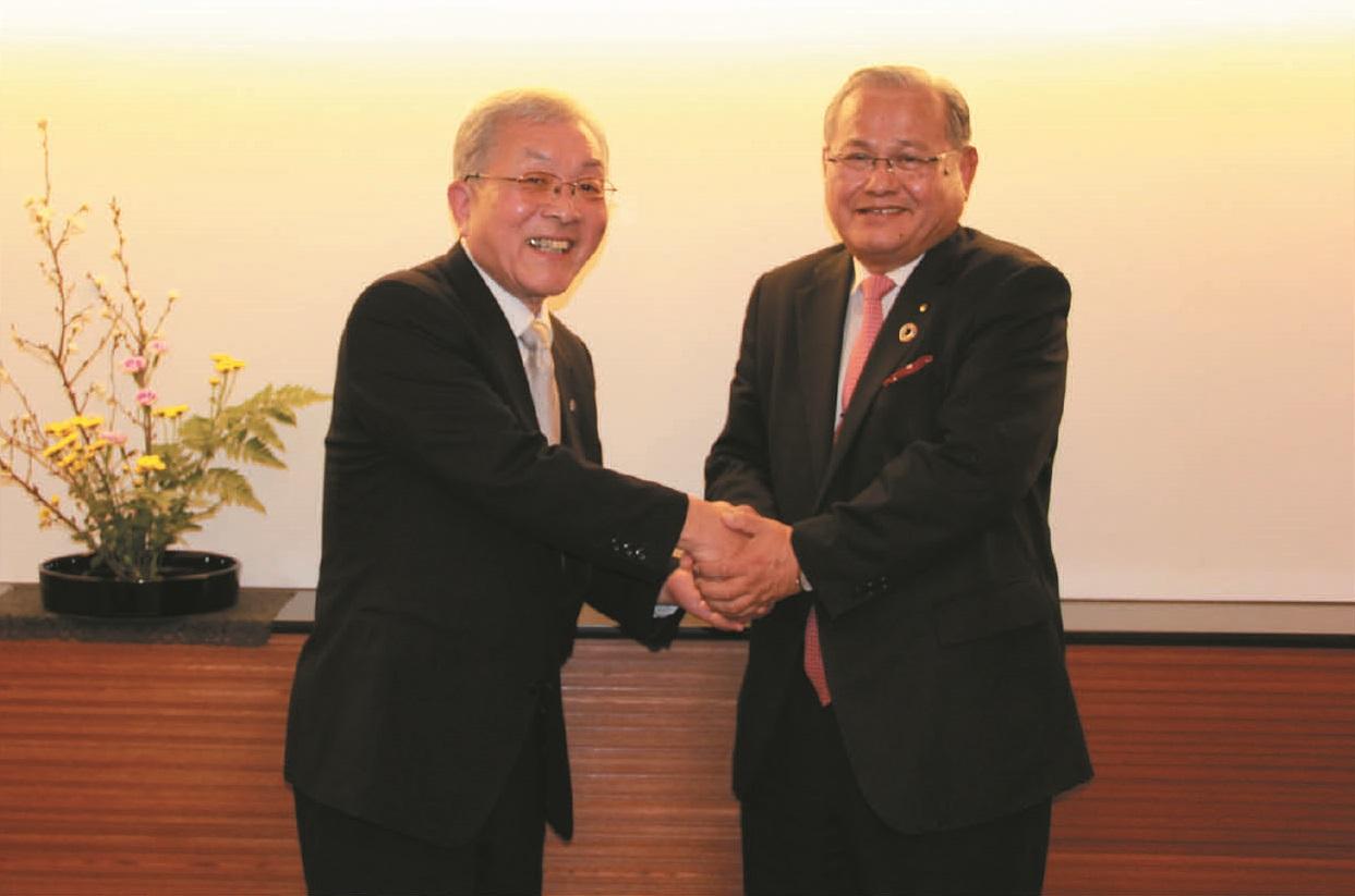 髙崎社長と材木社長握手